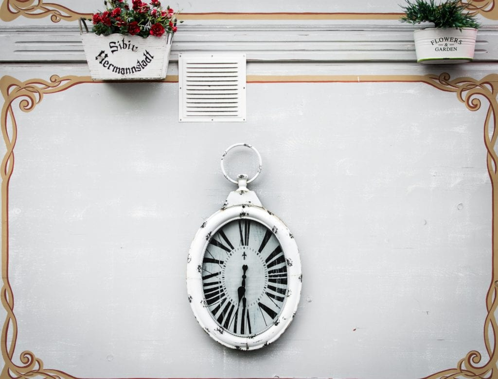 A Dynamic Take on Décor with Unique Wall Clocks