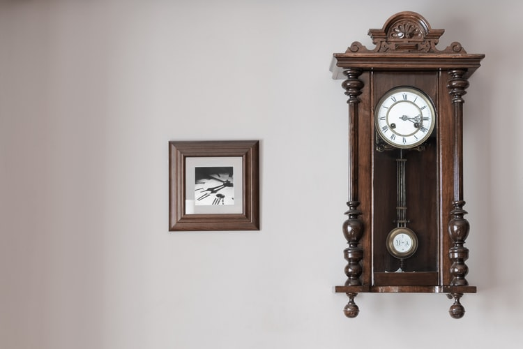 Know About Modern And Pendulum Wall Clock