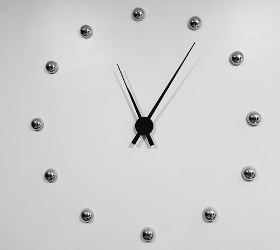 Decorative Wall Clock To Give A New Look To Your Home
